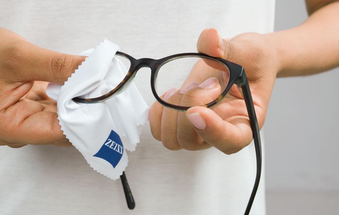 Brillenpflege - so geht's richtig